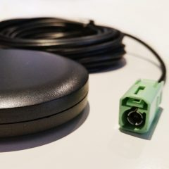 880-960 MHz/1710-1990 MHz. Glass mount for MT Data Terminals